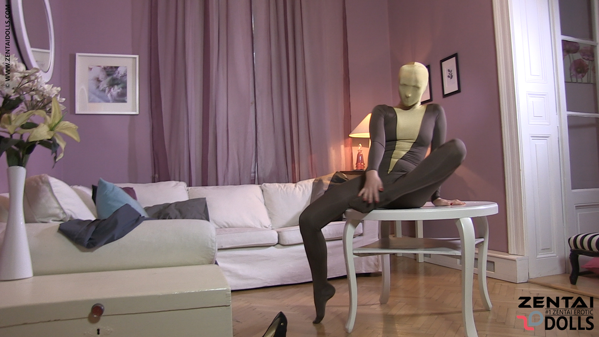 Double Layered Zentai Show